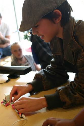 Mobile maker workshops are held at libraries throughout New Mexico. Photos/Miles Tokunow